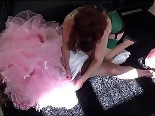 madame c coloca a angélica na calça e na calça de plástico