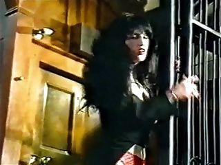 número da sorte do vintage goth em meias danças e provocações