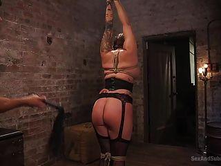 tori é a prostituta favorita