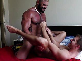 homens reais fodem crus (usados e abusados)