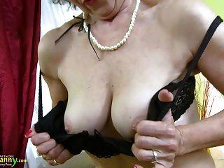 oldnanny show de masturbação de madura e madura madura