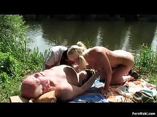 vovô foda legal age adolescente e mamãe pálida pelo lago