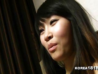 korea1818.com literalmente fumando korean babe quente