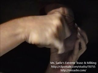 Manequim sensual e negação antes de ordenhar pelo ms. sadie