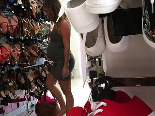 19 anos de gravidez grávida nicole shopping para sapatos
