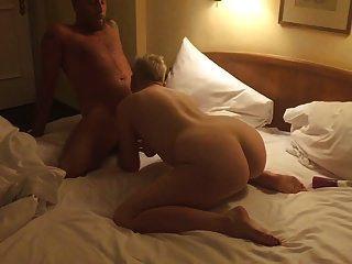 aventura em um quarto de hotel