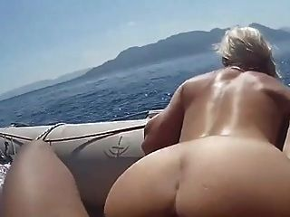 não mãe e filho, pegue um barco