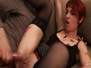 amadora, dona de casa francesa, sodomizada com bunda na boca