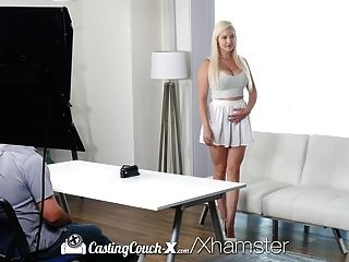 castingcouch x busty blonde kylie page com peitos perfeitos