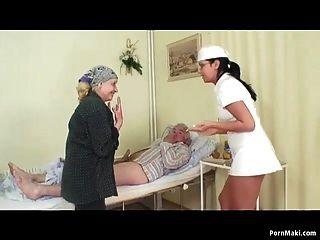 relogios mamãe vovô foda enfermeira no hospital