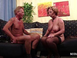casal alemão velho na primeira vez jogando roleplay na pornografia
