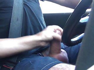 handjob enquanto conduz