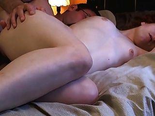 Ruivo peludo de pele clara obtém anal longo