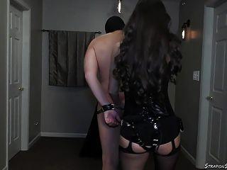 Senhoras lydia da amante com cinto e alça na pegada