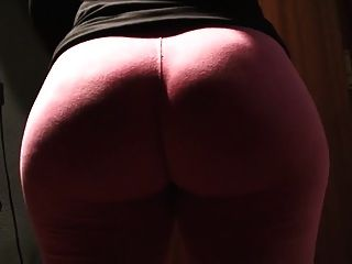 26yr old pawg wife vestindo leggings