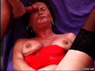 Busty maduras tenta anal