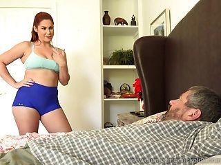 edyn blair é fodida pelo grande galo preto enquanto o marido vê