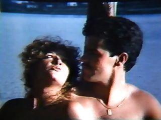 clássico: colegiais em sexo coletivo (1985)