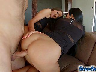 Spermsswap threesome diversão com cum swapping babes