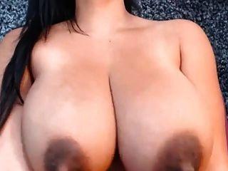 incríveis peitões latinos