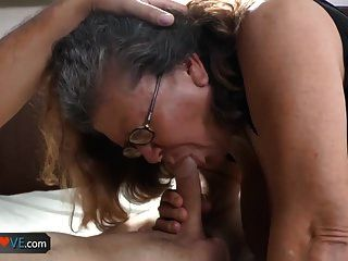 oldlove latina chubby granny fucking youngster