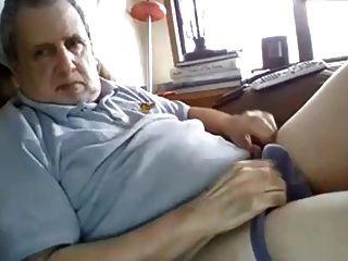 vovô tem um galo gordo