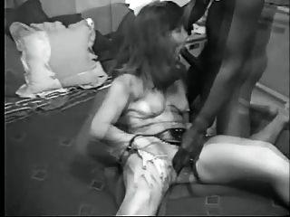 esposa de cuckolds no treinamento de galo preto