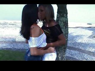 beijo de língua profunda 3377