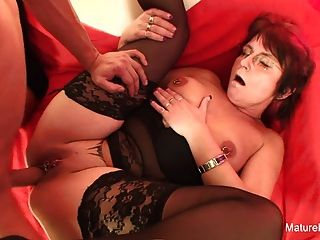 Punky pierced granny loves to sugar e fuck
