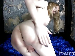 Transexual russa amadora que reche a bunda