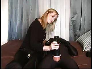 femdom bondage jovem escravo abusado por amante loira
