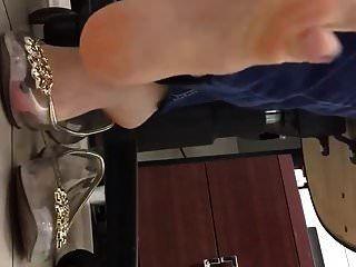 sapatilhas de plástico transparente shoeplay no trabalho