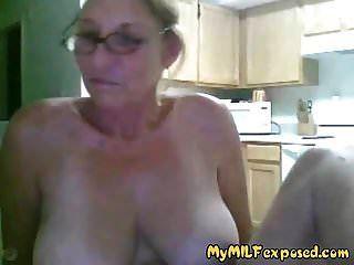 minha avó exposta milf com grandes mamas jogando na cam