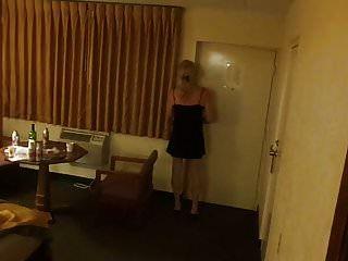cd lexx em lbd andando no quarto de motel