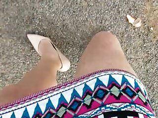 caminhando na saia de impressão asteca (pov) .mp4