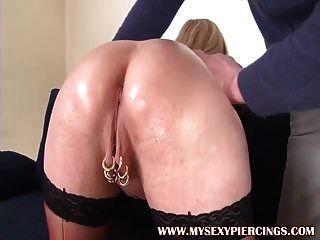 minha piercings sexy marina com buceta furada foda anal áspera