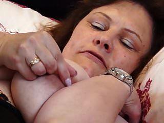 britânico maduro bbw mãe filhote de tigre dedilhado buceta dela