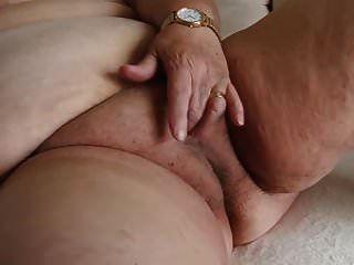 avó bbw supersized está se masturbando