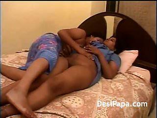 madura amiga lésbica indiana dedilhado uns aos outros puss suculento