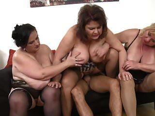 as mulheres maduras superiores seduzem meninos novos
