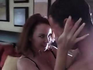 madrasta loira quente tem sexo tabu com enteado
