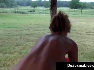 peituda puma deauxma óleos e exercícios nua na varanda dela!