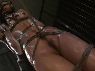 asiática boceta suzu wakana fica bondage torturado e chicoteado lik