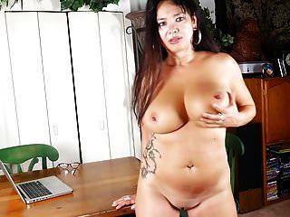 mãe americana madura com grandes mamas e buceta