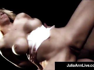 milf rainha julia ann fica anal fodido no palco!