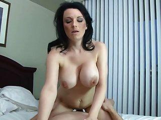 sexo em casa tabu com mãe peituda e filho careca