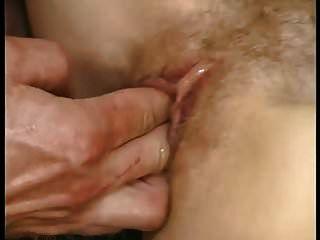 15 gotas de esperma no peito do cú