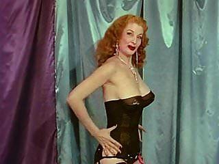 rainha de provocação vintage big boobs burlesque provocação