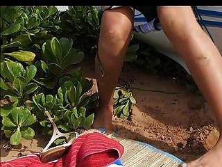 mamas pequenas latina mamilos grandes fazer xixi e chupar na praia