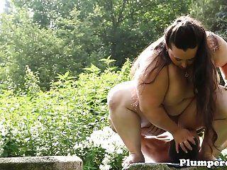 bbw obesos facesitting ao ar livre depois de se masturbar